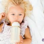¿Qué es la caries del biberón? Origen y causas de esta patología dental que afecta a los niños